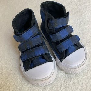 Children's Place black and blue high tops (4)